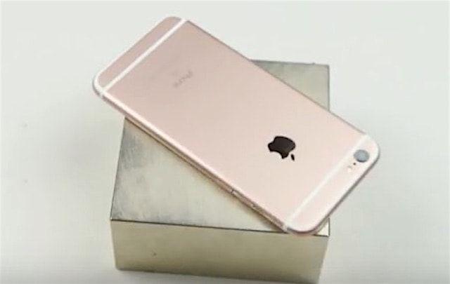 TechRax-видео: iPhone 6s против магнита