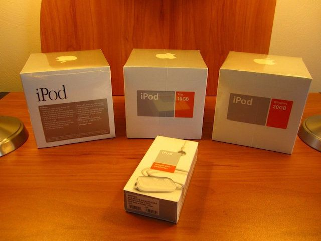 Набор из трех «самых первых» iPod