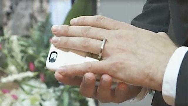 Американец женился на своем iPhone