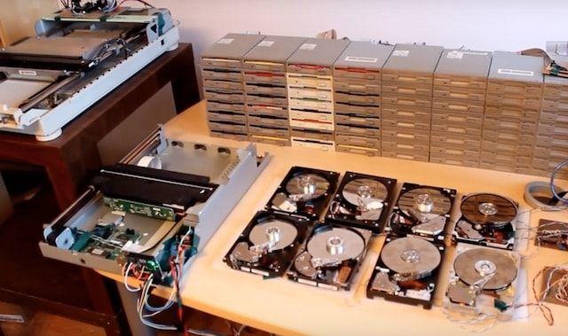 Оркестр из старой электроники (флоппи, HDD, сканеры) сыграл хит группы Nirvana (видео)