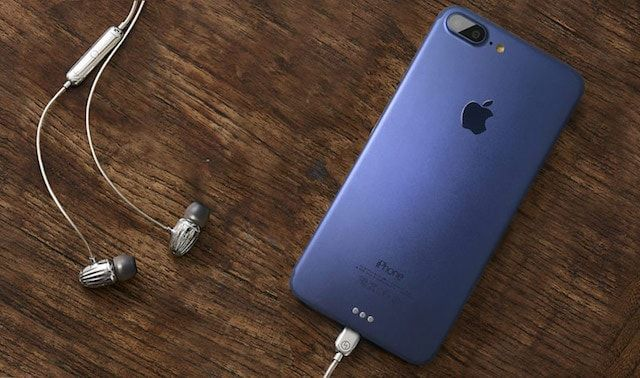iPhone 7 Plus в синем корпусе
