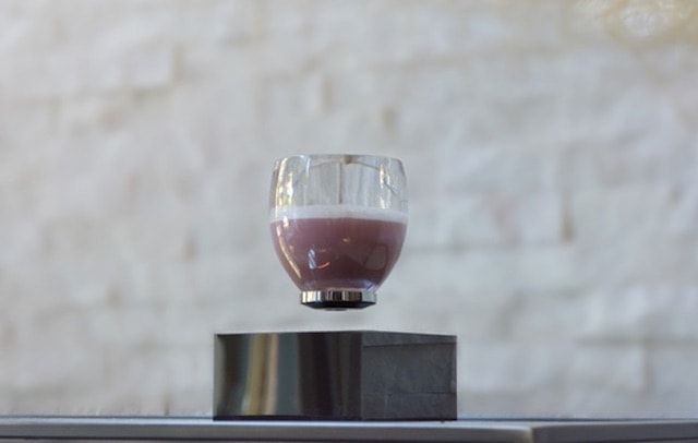 levitating-cup-defying-drinkware
