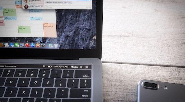 MacBook Pro с OLED-тачбаром