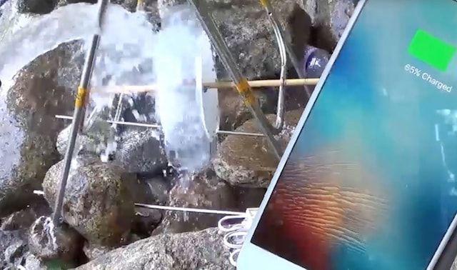 Как подзарядить iPhone с помощью ручья