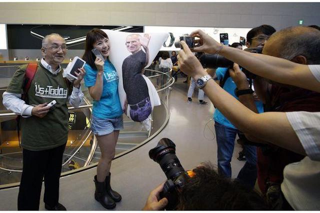 Фото и видео первых покупателей iPhone 7 и iPhone 7 Plus
