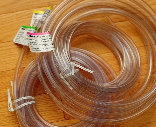 Защита кабеля с помощью виниловой трубки