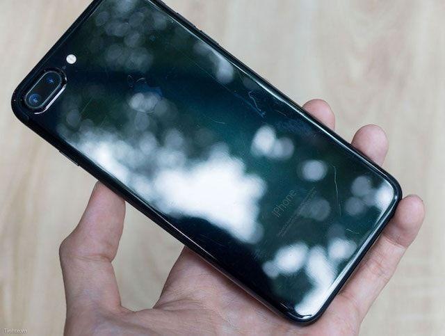 Отклеиваются буквы на iphone 7 черный оникс