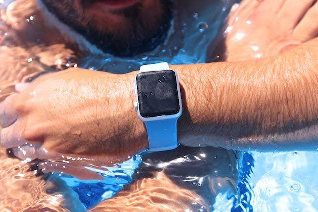 Отзыв пловца об Apple Watch Series 2: нужны ли часы для плавания?