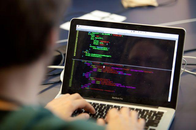 Какой язык программирования лучше изучать? Несколько советов от Квинси Ларсона