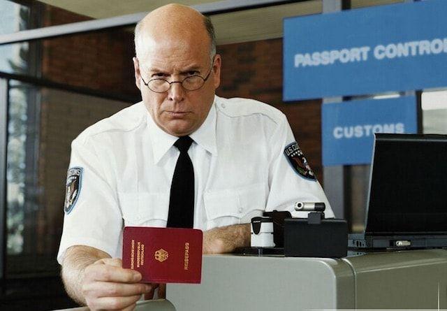пограничник США - паспортный контроль