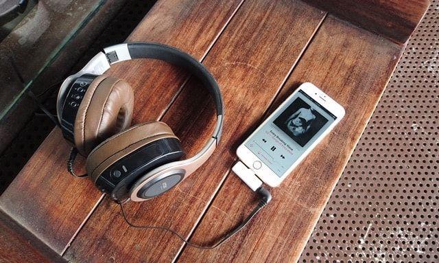 RES - Hi-Res (24 бит, 192 кГц) звук и беспроводная зарядка для iPhone 7