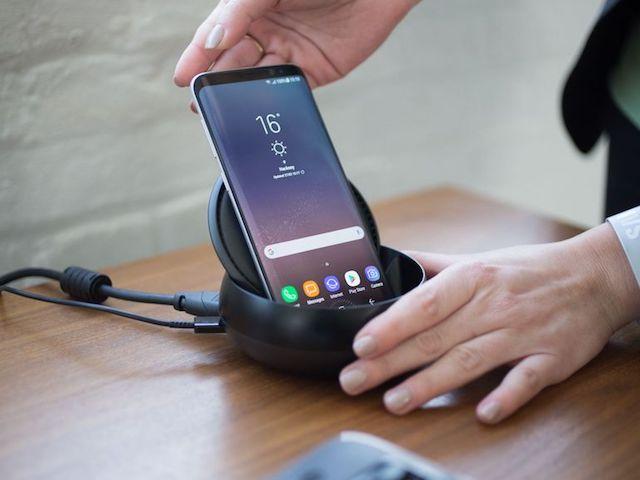 Samsung DeX — док-станция Galaxy S8