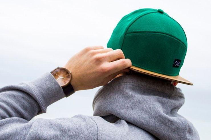 OVi — бейсбольная кепка с деревянным козырьком