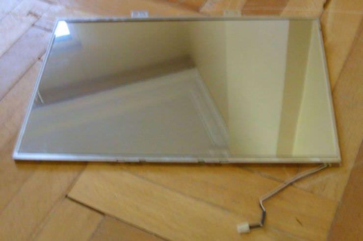 умное зеркало из старого монитора