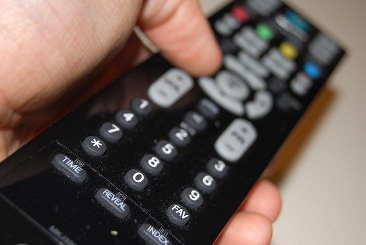 Пульт дистанционного управления для телевизора