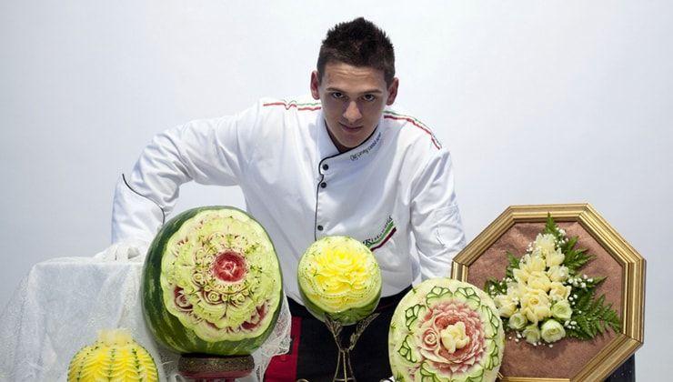 Итальянский скульптор превращает фрукты и овощи в объемные картины