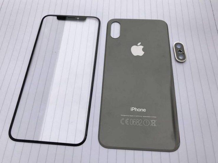 Фотографии передней и задней панелей iPhone 8