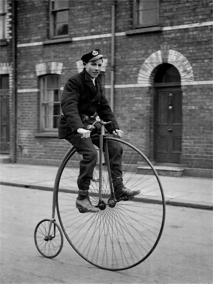 """Велосипед """"пенни-фартинг"""""""