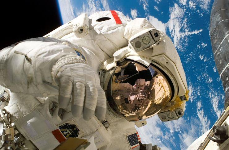Почему рост человека увеличивается в космосе?