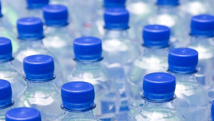 15 неприятных фактов о воде в бутылках