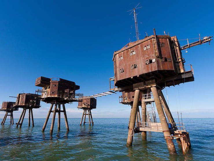 Морские форты Монселла в устье рек Темза и Мерси (Великобритания)