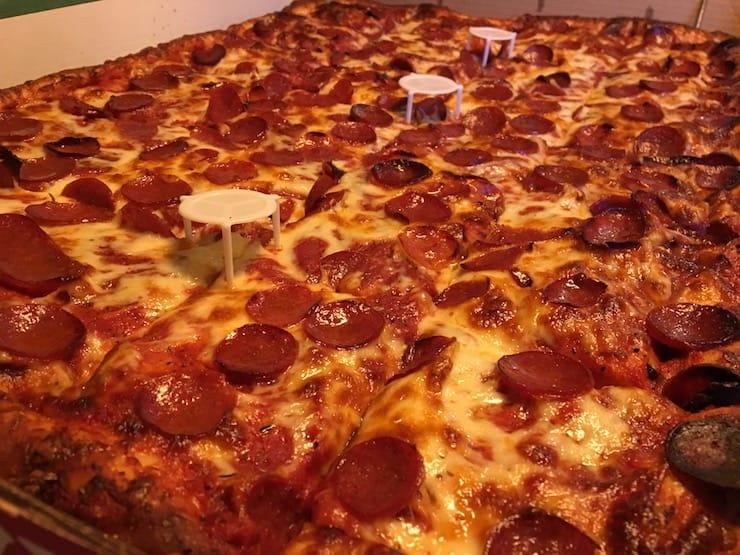 Фото пиццы на iPhone 6s