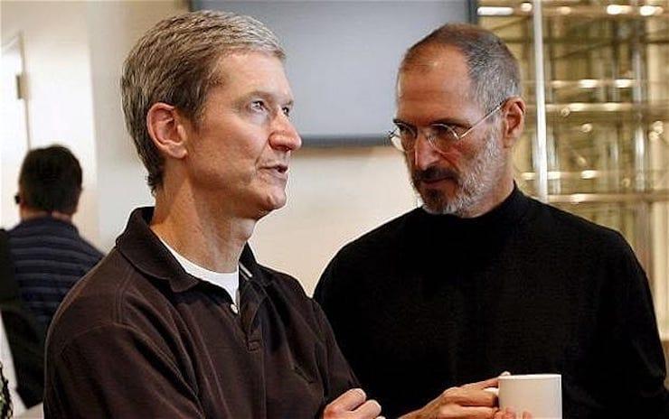 Стив Джобс и Тим Кук