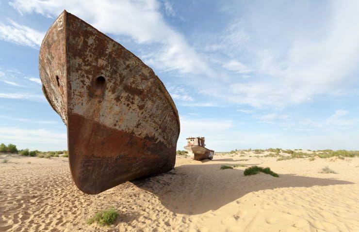 Кладбище кораблей в Муйнаке (Узбекистан)