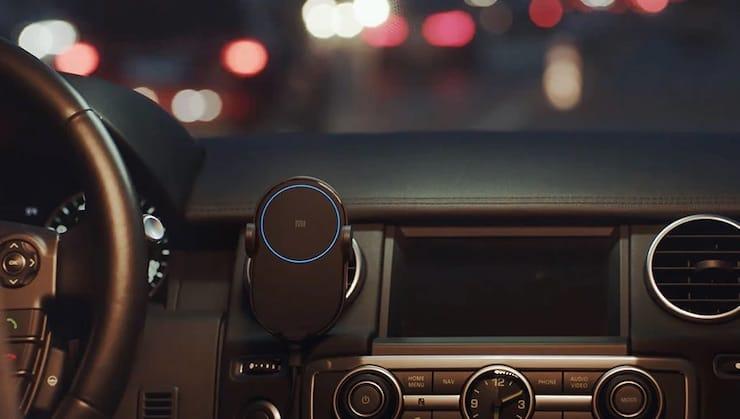 Беспроводная зарядка для смартфона в автомобиль