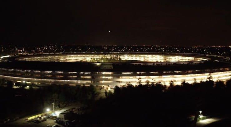 Apple Park ночью