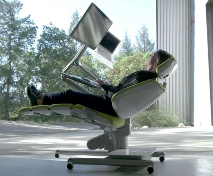 Сидеть за компьютером прямо — вредно!