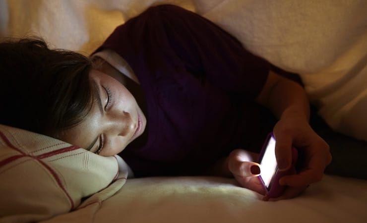 Почему нужно пользоваться Night Shift (Ночным режимом) на iPhone – научное объяснение