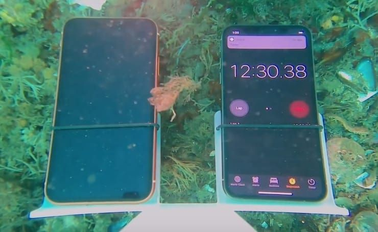 Сравнение водонепроницаемости iPhone XS и iPhone XR