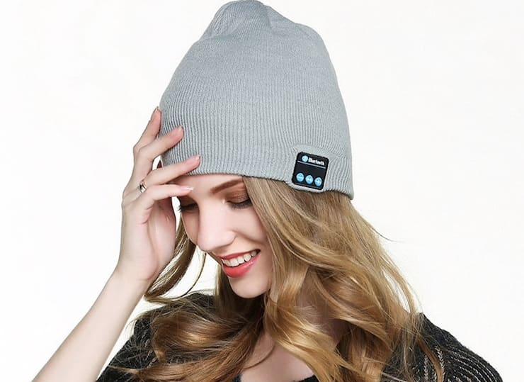 Шапка с Bluetooth-наушниками и микрофоном