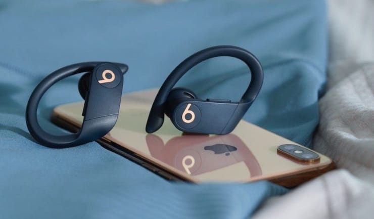 Дизайн Beats Powerbeats Pro с iPhone XS