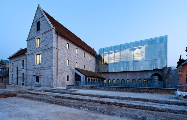 Монастырь открыл двери для музыкальной школы, Франция, Лувье