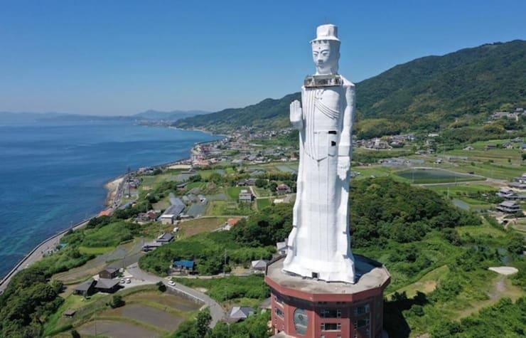 Статуя богини Каннон на Авадзи. 80 метров, Япония