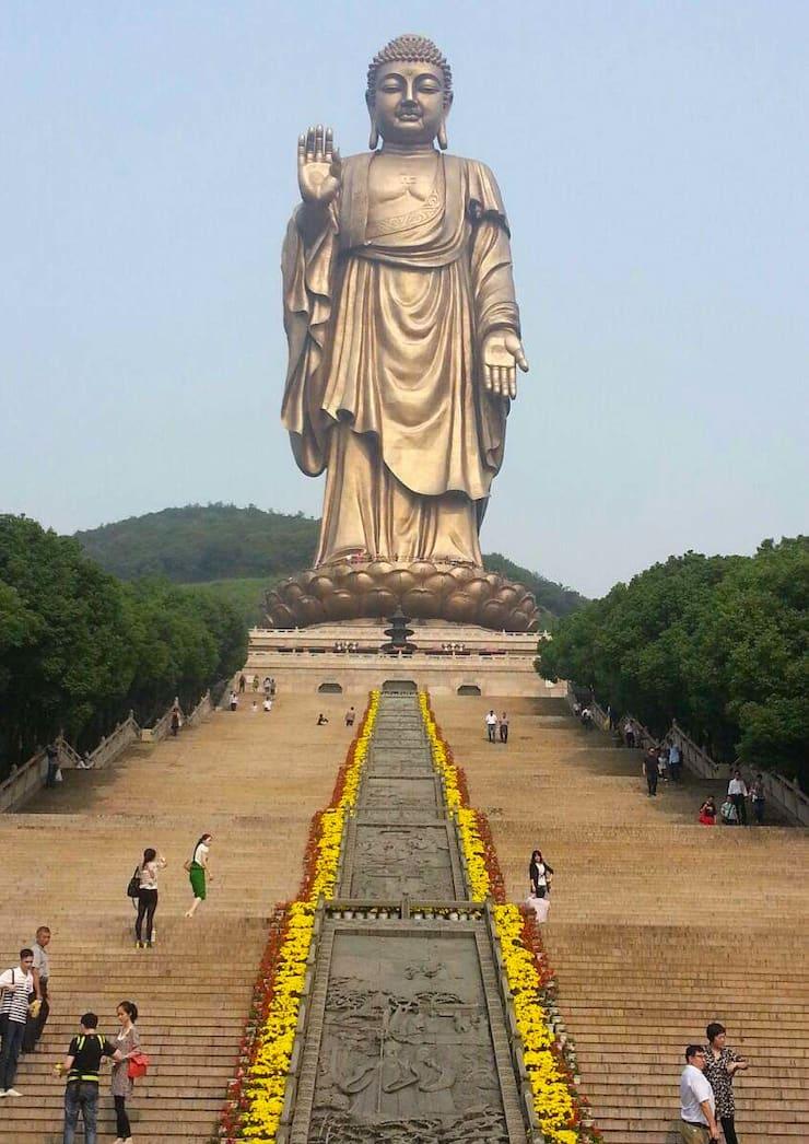 Статуя Будды в Уси, 88 метров, Китай