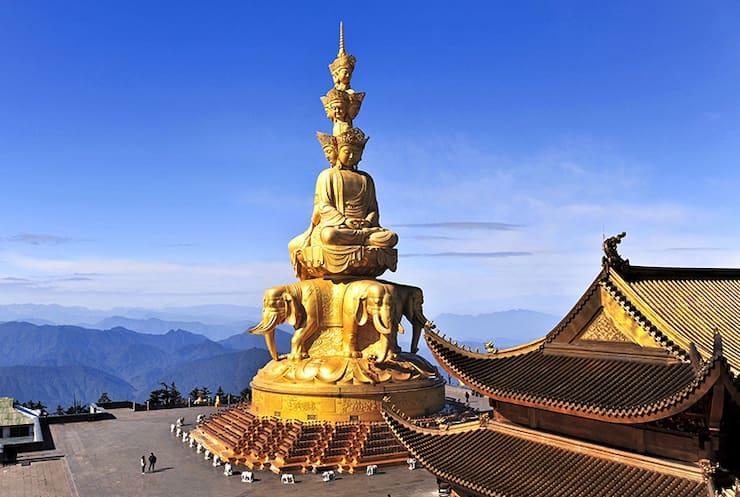 Статуя Бодхисаттвы Самантабхадры, 42 метра, Китай