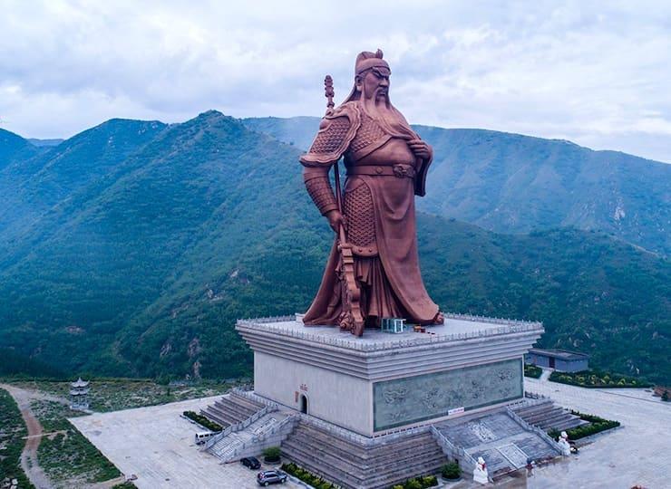 Статуя Гуань Юя, 61 метр, Китай