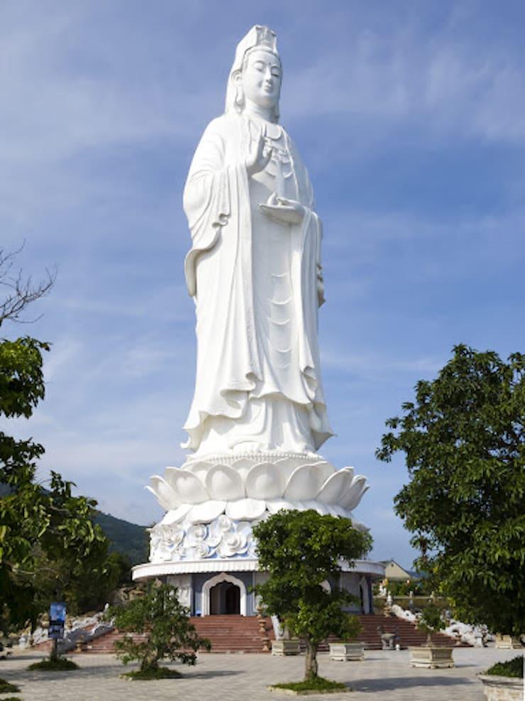 Памятник богине Гуаньинь, 72 метра. Вьетнам