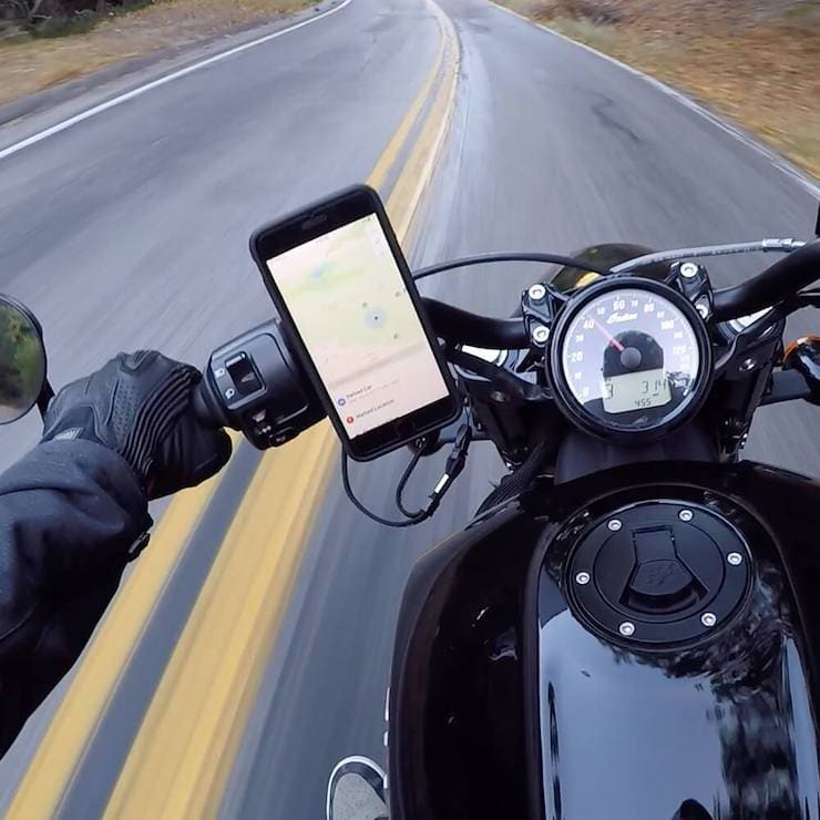 Motorcycle Handlebar Phone Mount (для крепления iPhone на мотоцикле)