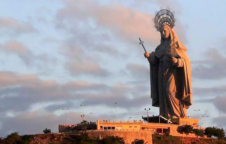 Статуя Святой Риты, 50 метров, Бразилия