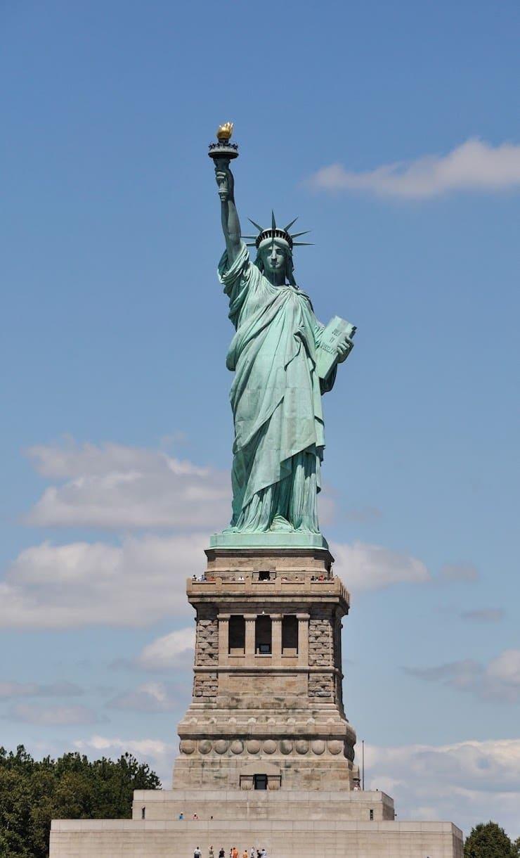 Статуя Свободы, 46 метров, США