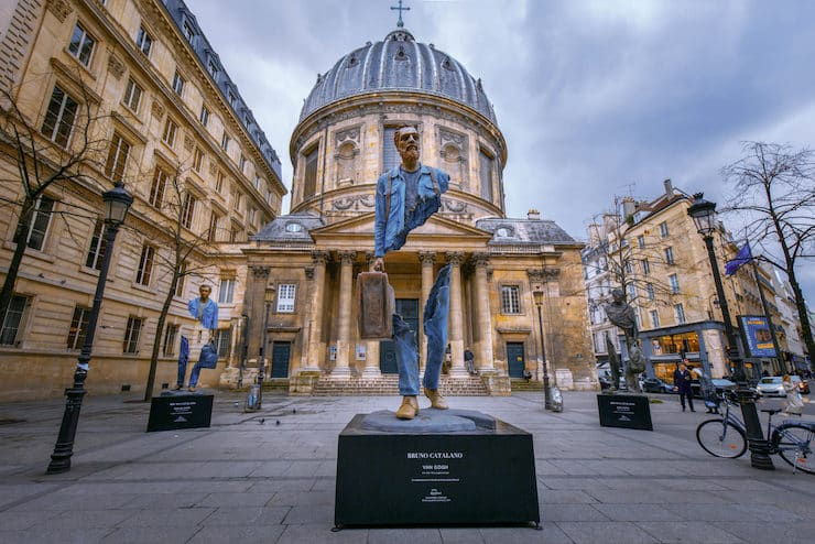 «Разорванные путешественники»: необычные скульптуры Бруно Каталано